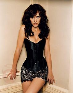 Jennifer Love Hewitt - Dressing Pear shapes - many people think you are only pear shape if you have large hips and small boobs, when actually a pear shape is defined by your shoulders being much more narrow than your hips creating a 'pear' shape.