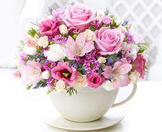 Букеты Розы Альстрёмерия Эустома Хризантемы Чашка Цветы