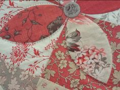 The problem with being a hand quilter is that there is always a quilt top waiting to be worked on. I am continuing my French General love a...