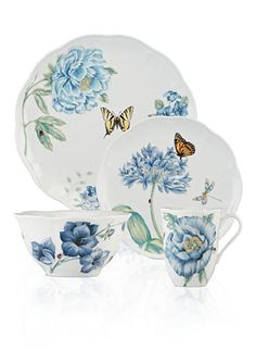 This Butterfly Meadow Blue Collection is filled with oversized blooms in beautiful blue hues alongside colorful butterflies. This versatile collection is crafted of fine porcelain and is microwave and dishwasher safe.