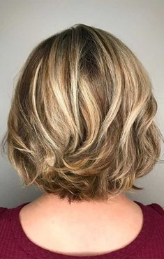 Trendy Low Maintenance Haircuts and Hairstyles For Any Length – hair cut ideas Short Layered Haircuts, Short Hairstyles For Thick Hair, Haircut For Thick Hair, Haircuts For Fine Hair, Short Hair With Layers, Short Hair Cuts For Women, Shoulder Length Hair Cuts With Layers, Layered Haircuts For Medium Hair, Cuts For Thick Hair