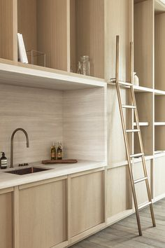 A minimalist kitchen is easy to clean and maintain. It looks chic and in tune with modern interior décor. Minimalism helps to relieve the clutters of a small home as well as a spacious one. Interior Desing, Interior Architecture, Architecture Life, Küchen Design, Home Design, Nordic Design, Modern Design, Kitchen Furniture, Kitchen Interior