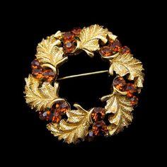 CROWN TRIFARI Vintage Wreath Brooch Topaz Rhinestones Gold Plated /43