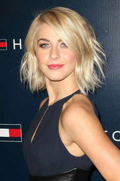 julianne+hough+bob+hair | Julianne Hough Looking Glam in this Black Dress with her Short Blonde ...