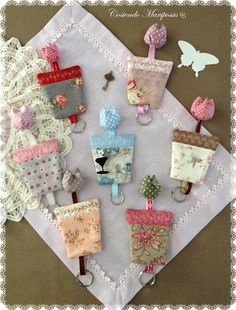 Resultado de imagem para patchwork case for key Fabric Decor, Fabric Crafts, Sewing Crafts, Sewing Projects, Hobbies And Crafts, Diy And Crafts, Crafts For Kids, Gadgets, Love Sewing