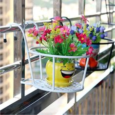 Hanging Window Basket The flower wearing of pure and fresh grace, become balcony sitting room inadvertently best match, m Small Balcony Decor, Small Balcony Design, Small Balcony Garden, Balcony Plants, House Plants Decor, Garden Spaces, Potted Plants, Balcony Decoration, Small Balcony Furniture