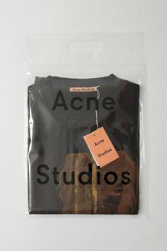 20 Ideas design packaging fashion acne studios for 2019 Shirt Packaging, Clothing Packaging, Fashion Packaging, Brand Packaging, Fashion Branding, Design Packaging, Brochure Design, Branding Design, Clothing Tags