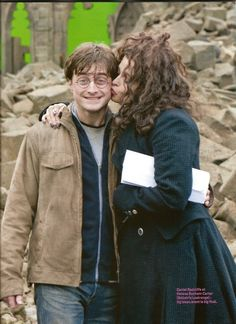 Daniel Radcliffe & Helena Bonham Carter. <3