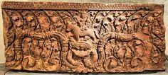 Image from https://upload.wikimedia.org/wikipedia/commons/d/dc/Guimet-JAN09-Linteau_Khmer-6.jpg.