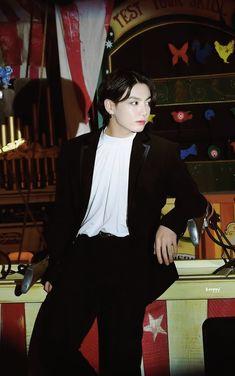 Jungkook Fanart, Jungkook Cute, Foto Jungkook, Bts Taehyung, Namjoon, Foto Bts, Jikook, Bts Aesthetic Pictures, Aesthetic Gif