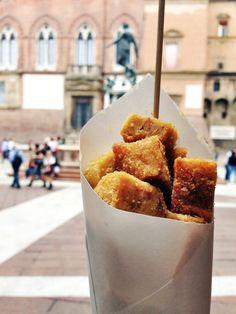 """Il miglior spuntino durante la  MortadellaBò: """"frittino di mortadella"""" (con Netuno dietro) / The best snack during the MortadellaBò: fried dices of mortadella (with Neptune behind)"""