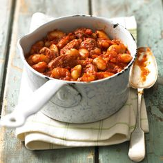 bean and chorizo stew A deliciously warming and moreish stew recipe that is surprisingly low in calories.A deliciously warming and moreish stew recipe that is surprisingly low in calories. Slow Cooker Recipes, Cooking Recipes, Healthy Recipes, Free Recipes, Easy Recipes, Healthy Food, Healthy Eating, Good Food, Yummy Food