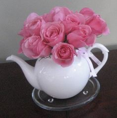 bby shower Tea Party: decorations-teapot as vase Tea Party Birthday, 75th Birthday, Birthday Ideas, High Tea Decorations, Bridal Shower Tea, Baby Shower, Tea Party Table, Princess Tea Party, Afternoon Tea Parties