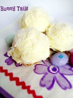 Bunny Tails - #ricekrispietreat, #easter #recipes #spring