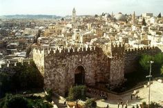 Everyone should go here in there lifetime. Jeruselum