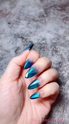 Rose Nail Art, Rose Nails, Stylish Nails, Trendy Nails, Acrylic Nail Designs Classy, Color Block Nails, Asian Nails, Nails Design With Rhinestones, Nail Designer