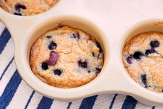 mini blueberry streusel coffee cakes in Pampered Chef's Single Servings Pan Pampered Chef Recipes, Cooking Recipes, Pampered Chef Stoneware, Streusel Coffee Cake, Cake Recipes, Dessert Recipes, Mini Muffins, Mini Desserts, Mini Cakes