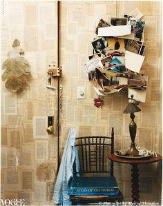 ¡Boquiabiertos nos hemos quedado! Ideal decorar las paredes del rinconcito más coqueto de tu casa con papel pintado romántico como el de la foto. ¿Lo quieres?  Dale al link y disfruta de nuestros diseños vintage con cartas antiguas =) http://papelpintadobarato.es/collage/1115967-papel-pintado-recortes-de-cartas-sepia-envejecido-g56123.html
