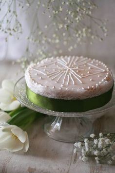 Truta mazz'e mendula - Sardinian Traditional Almond cake by Good Life o'clock - Gianpiera Conti Torte Cake, Cupcakes, Red Fruit, Frozen Fruit, Almond Cakes, Biscotti, Food And Drink, Traditional, Baking