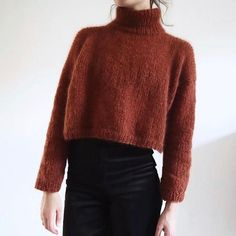 Ravelry: Snug Turtleneck pattern by Witre Design Source by hmpriceless clothes fashion style Jumper Knitting Pattern, Jumper Patterns, Bolero Pattern, Outfit Stile, Cropped Pullover, Mohair Yarn, Mode Outfits, Diy Clothes, Dress To Impress