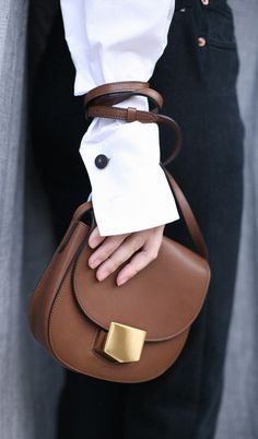 style heroine   celine bag   sleeve trend