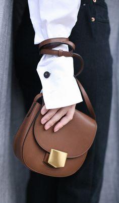 style heroine | celine bag | sleeve trend