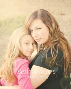 Photography poses mother daughter sons 48 ideas for 2019 Mommy Daughter Pictures, Mother Daughter Pictures, Mothers Day Pictures, Mom Daughter, Fall Pictures, Daughters, Family Photography, Photography Poses, Fall Family Photos