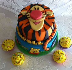 Like the Tigger layer with fondant face