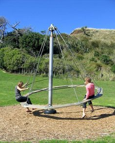 Best And Fun DIY Backyard Playground Landscaping Ideas – Natural Playground İdeas Natural Playground, Backyard Playground, Backyard For Kids, Playground Ideas, Outdoor Play Areas, Outdoor Toys, Outdoor Fun, Outdoor Playset, Kids Play Area