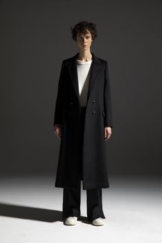 HOMME 2020-21 A/W 001, Yak Wool Beaver 4B Double Breasted Chester Coat   DRC-C03-104H, Cotton Cashmere Jersey Bound Seam T-shirt   DRC-T01-010, Scottish Cheviot Wool Slit Baggy Pants   DRC-P06-102 Male Model, Color Negra, Double Breasted, Cashmere, 21st, Fall Winter, Normcore, Cotton, T Shirt