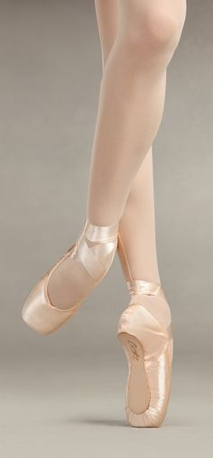 """""""GLISSE EXTRA STRONG""""    For more info or to order, go to:  http://www.capeziodanceanz.com/en/item_detailBC/2/Footwear/9/Pointe/S00102ES/***********"""