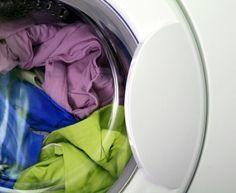 Risparmiare in casa: fogli acchiappacolore fai da te