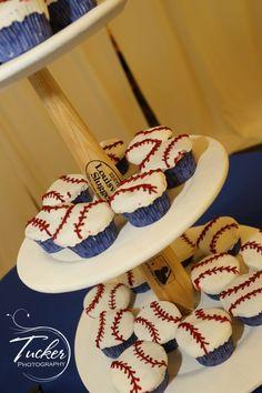 Baseball Cupcakes/Stand