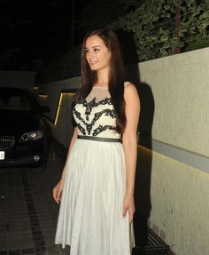 Evelyn Sharma at Movie Nautanki Saala Success Bash. Bollywood Wallpaper MADHUBANI PAINTINGS MASK PHOTO GALLERY  | I.PINIMG.COM  #EDUCRATSWEB 2020-07-27 i.pinimg.com https://i.pinimg.com/236x/45/c8/54/45c8544507416799c5be687ac2a3fc75.jpg
