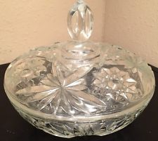 VINTAGE CLEAR DEPRESSION GLASS LIDDED CANDY DISH/ STARBURST & DAISY PATTERN