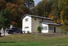 http://browncountyhomeforsale.com/ Carriage house is a part of this brown county private cottage estate
