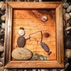 Laksefiskeren 😄 og fisk ble det 😄 #stoneart #stonerlife #stones #stone #drivved #driftwood #driftwoodart #drivvedfolket #driftwoodartist #hjemmelaget #hjemmehosmeg #hjemkjærehjem #homemade #homedecor #homesweethome #handmade #handywoman #handcrafted #namsos #norway #norge #norwegianmade #tovekristinshage