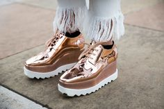 Street Style at London Fashion Week Fall 2016 | POPSUGAR Fashion