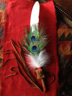 Feather Painting, Feather Art, Feather Bouquet, Sacred Plant, Pipe Cleaner Crafts, Indian Crafts, Handprint Art, Feather Crafts, Good Spirits