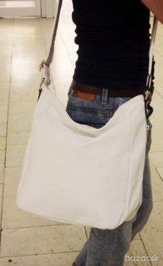 Nová crossbody jasne biela kabelka