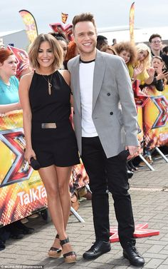 Big smiles: Caroline Flack and Olly Murs looked like a pair of cats who got the cream as they began their new roles as X Factor hosts 2015 Hairstyles, Pretty Hairstyles, Belle Hairstyle, Olly Murs, Black Playsuit, Coloured Hair, Caroline Flack Hair 2018, Hair Dos, Gorgeous Hair