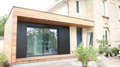 idee des 2 matériaux et 2 couleurs pr garage Boho Chic Interior, House Extension Design, Modern Exterior, Garage Exterior, Cool Apartments, House Extensions, Tiny House, Bordeaux, Pergola