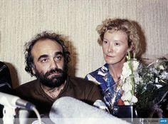 Il y a 30 ans, l'invraisemblable détournement du vol TWA847 (avec Demis Roussos à bord!) http://u.afp.com/TWA847 #AFP