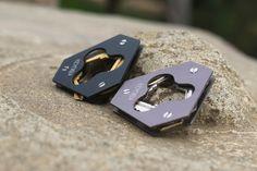 A New Way To Carry Keys - KeyDisk 2 by KeyDisk Co. — Kickstarter. Onyx Black and gunmetal available.