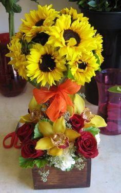 Topiary Beautiful Flowers | Flowers for Delivery in Agoura Hills, Calabasas, Oak Park and Westlake ...