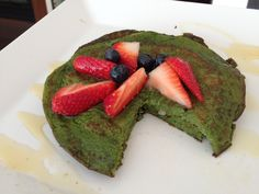 Spinach protein pancakes sounds weird but yummy! And packed with a whopping 30g of protein!!