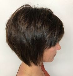 Fantastic pixie hairstyles short hair ideas Very Short Piecey Layered Brown Bob With Bangs Her Style Code 60 Classy Short Haircuts And Hairstyles For Thick Hair Medium Short Haircuts, Short Hairstyles For Thick Hair, Haircut For Thick Hair, Short Hair Cuts, Short Hair Styles, Medium Curly, Pixie Haircuts, Pixie Cuts, Long Haircuts