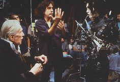 Edward Scissorhands behind the scenes photo of Johnny Depp, Vincent Price & Tim Burton Sleepy Hollow, Keira Knightley, Batman, Johnny Depp Images, We Heart It, Famous Directors, Photos Rares, Werner Herzog, Tim Burton Films