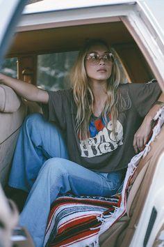 "Online Editorial:""Come On and Take a Free Ride"" disfunkshionmag editorial fashion boho Graphic tees & tunics: Sugarhigh Lovestoned Photography By: Samantha Feyen Hair & Make-up: Risa Hoshino Babes: Kori Hun-Pilago + Boonyanudh Jiyaro 490118371947858628 70s Inspired Fashion, 70s Fashion, Trendy Fashion, Fashion Tips, Fashion Design, Fashion Trends, 70s Hippie Fashion, 70s Inspired Outfits, Fashion Ideas"