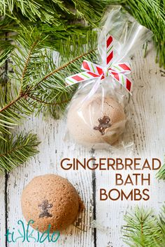 How to make homemade bath bombs. These DIY fizzy bath bombs are perfect for Chr… How to make homemade bath bombs. These DIY fizzy bath bombs are perfect for Christmas stocking stuffers in any scent, but I made these GINGERBERAD… Continue Reading → Fizzy Bath Bombs, Bath Bombs Scents, Homemade Bath Bombs, Dyi Bath Bombs, Christmas Bath Bombs, Christmas Diy, Holiday, Diy Stockings, Christmas Stockings